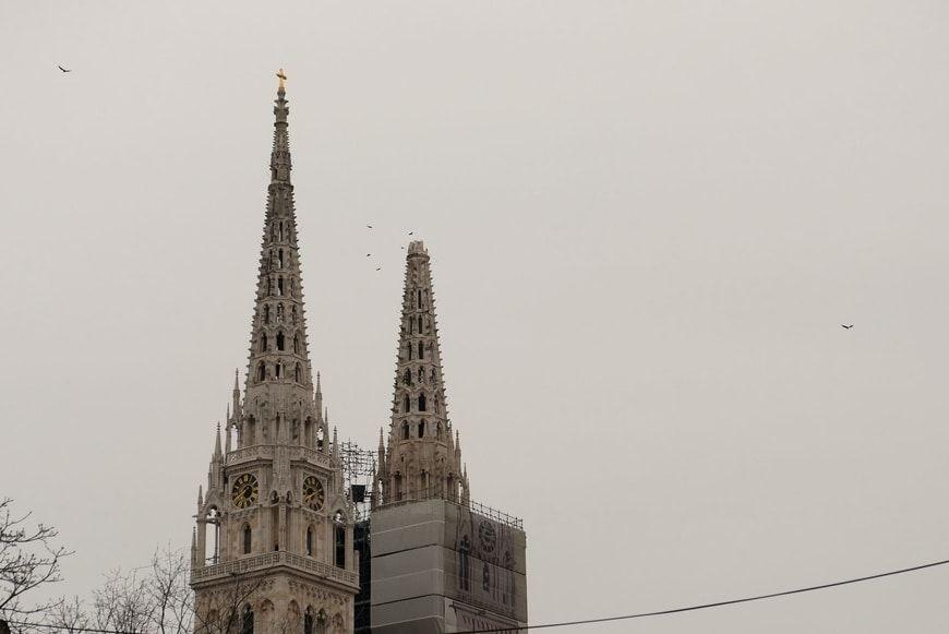 Torres de la catedral de Zagreb tras sismo